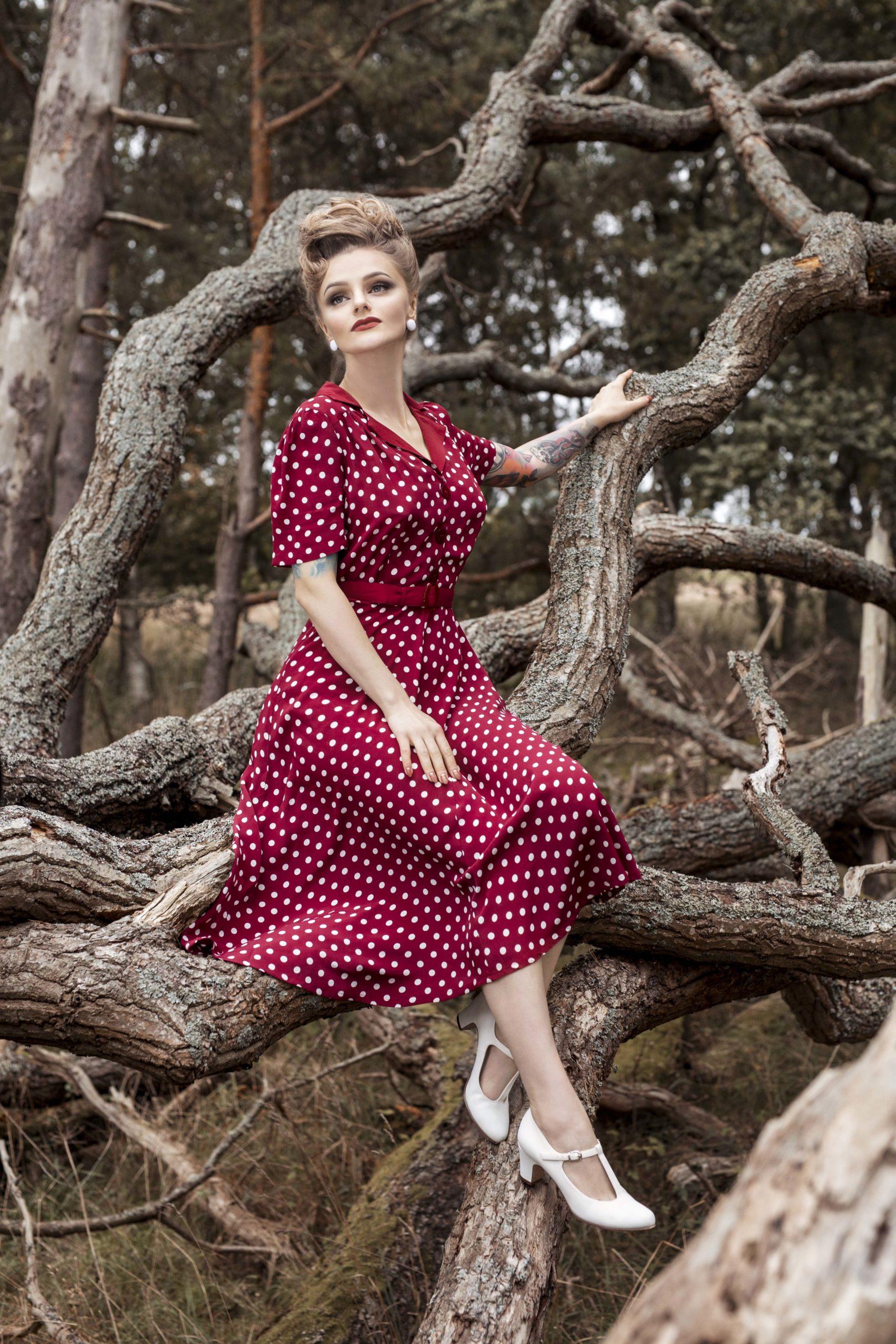 1940s Dresses and Clothing UK | 40s Shoes UK Lisa Dress £79.00 AT vintagedancer.com