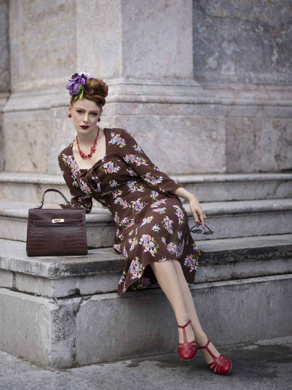 1940s Dress Styles Joyce 1940s Day Dress in Brown Floral Authentic true vintage style £79.01 AT vintagedancer.com